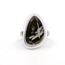 Load image into Gallery viewer, Green Chrome Chalcedony Ring - Size 8.25