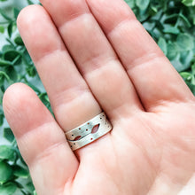 Load image into Gallery viewer, Pothos Silver Ring