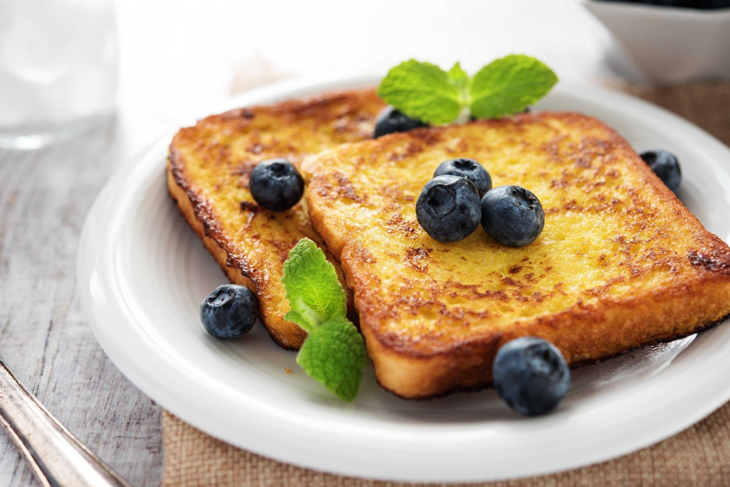 top breakfast recipes for kids with attention deficit disorders - french toast with blueberries