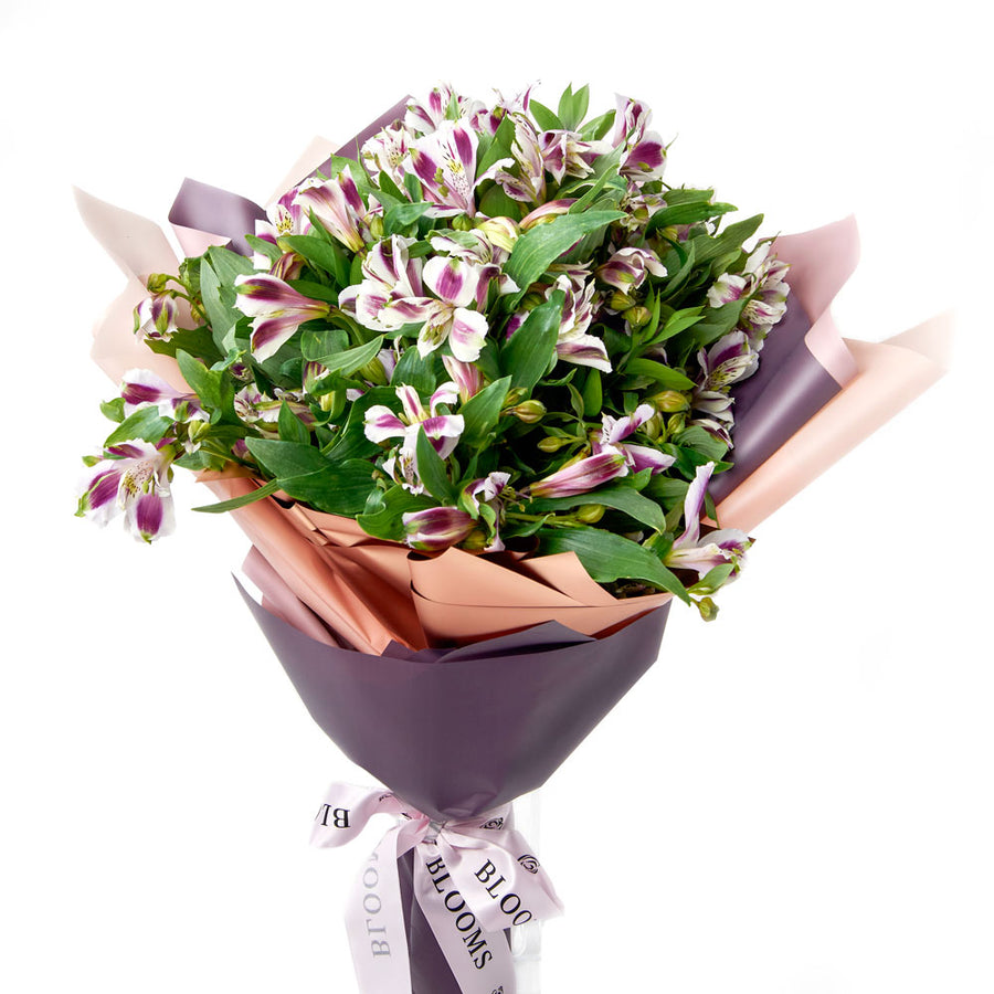 White lavender lily bouquet - Toronto Flower Gift - Same Day Toronto Delivery