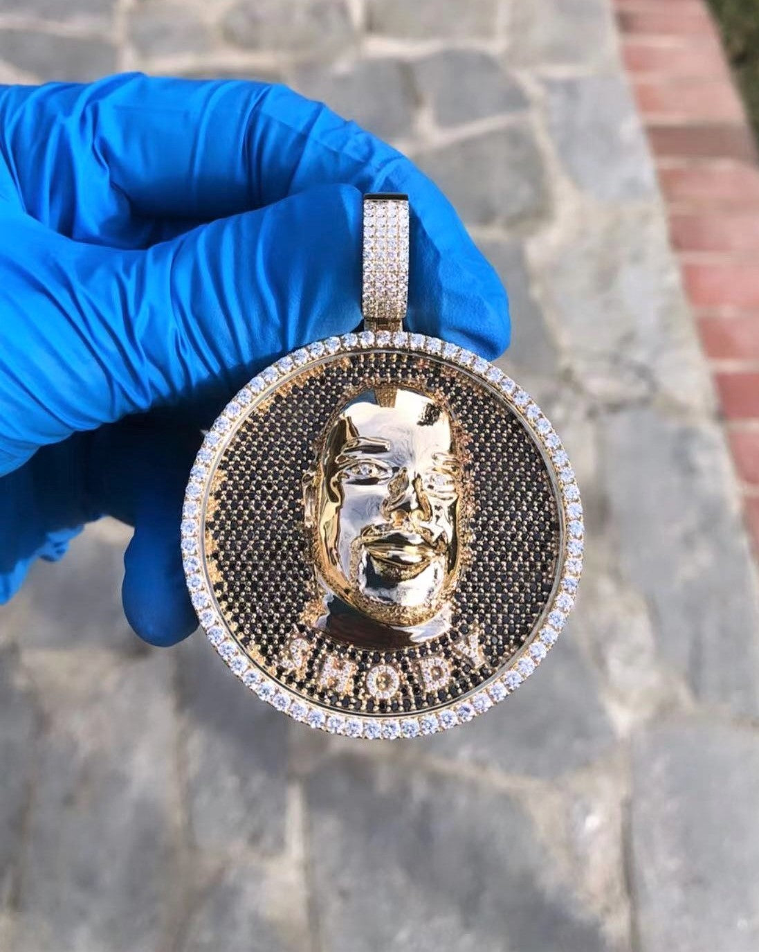 The W Brothers custom jewelry vvs diamonds d color vs diamonds si diamonds custom solid gold jewelry custom silver jewelry solid sterling silver 14k gold 18k gold 22k gold 24k gold thewbros iced out pendant iced out jewelry