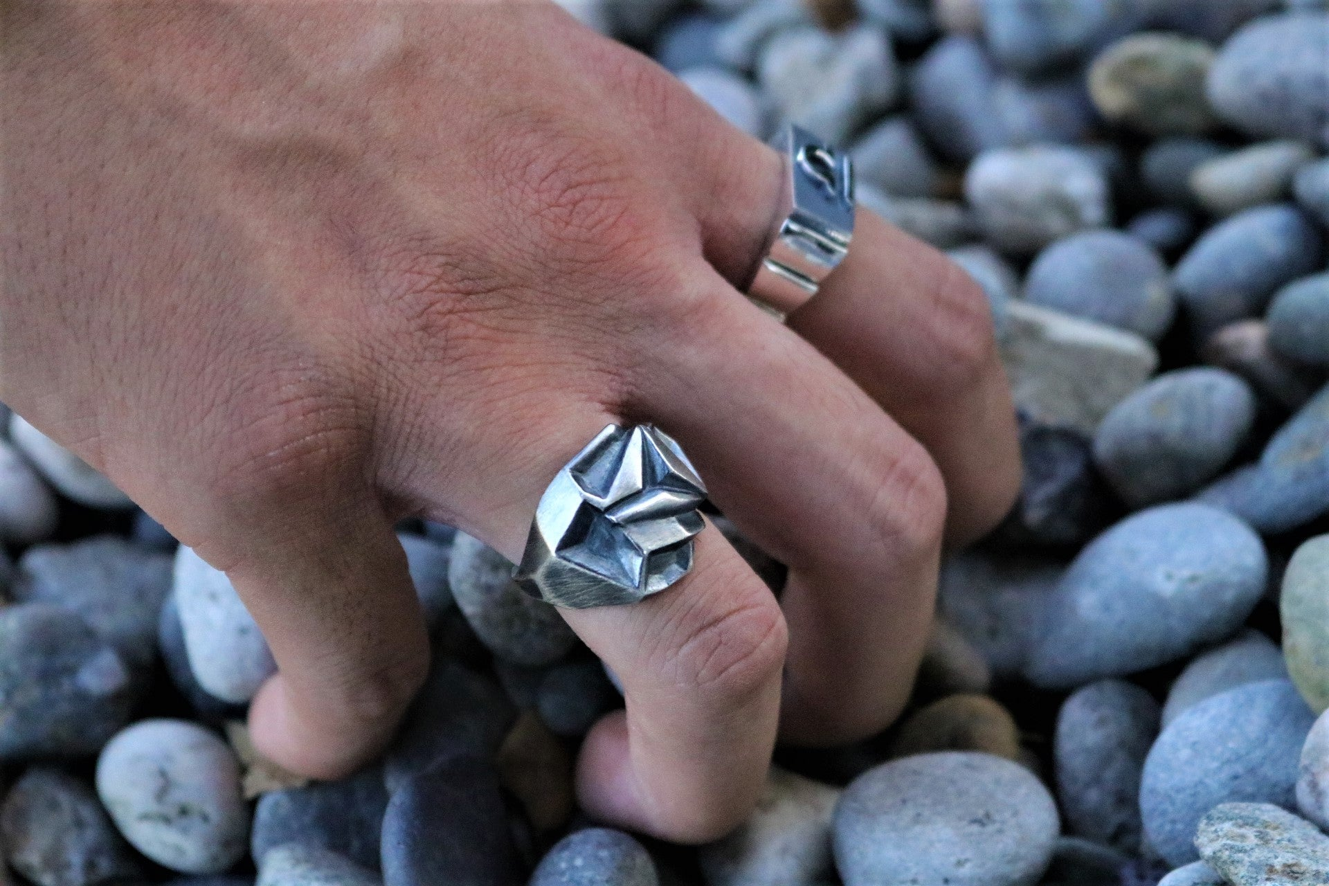 The W Brothers Magnetic Rose oxidized retro matte finish in premium grade a sterling silver ring perfect for men and female metallic rose ring thewbros.