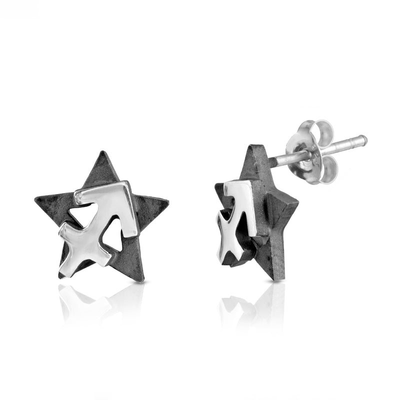 The W Brothers hand-crafted premium 925 Sterling silver star-sign stud earrings crafted in the highest quality of sterling silver with an oxidized star sign in the back with the beautiful sagittarius earth symbol projecting on the front. Available in premium sterling silver, real 18k yellow gold & rose gold. Shop your original look only at thewbros.com