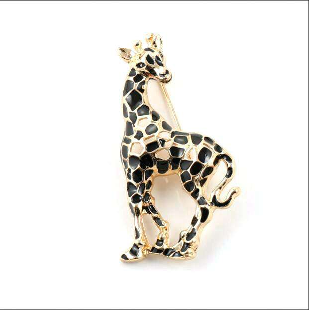 Giraffe Brooch Pin - Green Earth Animals