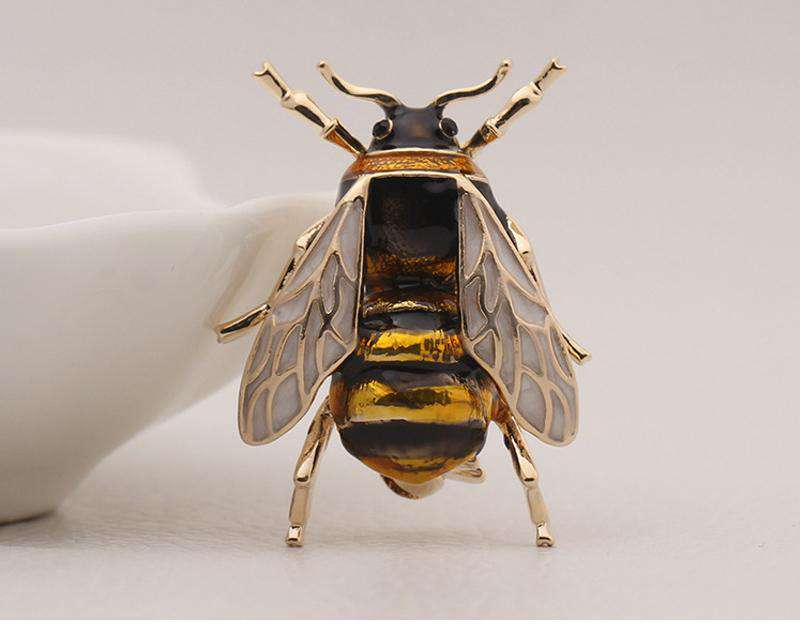 Cute Bee Brooch Pin - Green Earth Animals