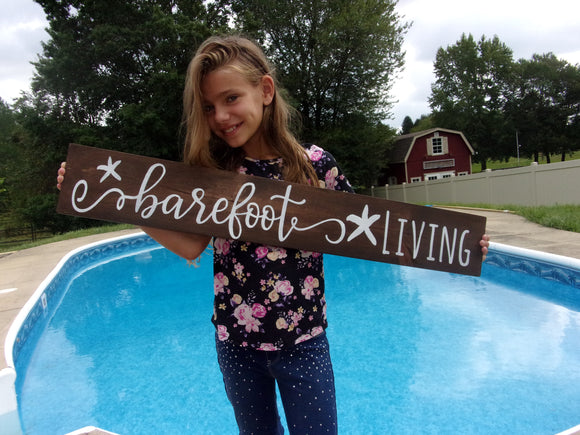 Barefoot Living sign
