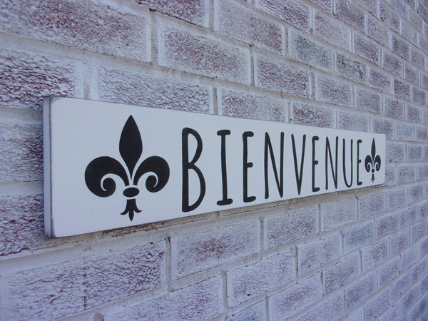 Bienvenue with fleur de lis - Welcome in French