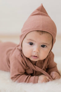 Quincy Mae Organic Ribbed Baby Bonnet - Clay