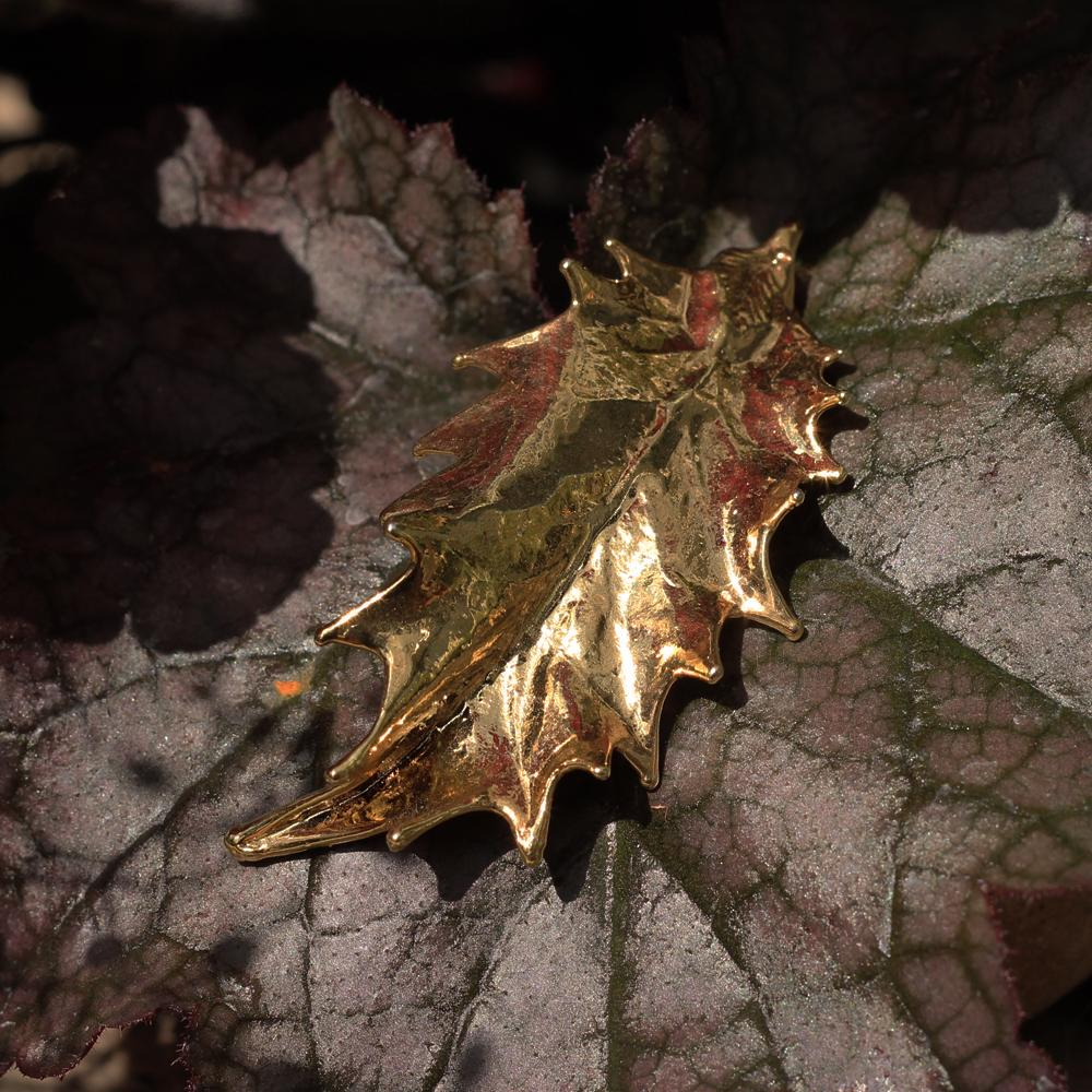Holly Gold Plate Leaf