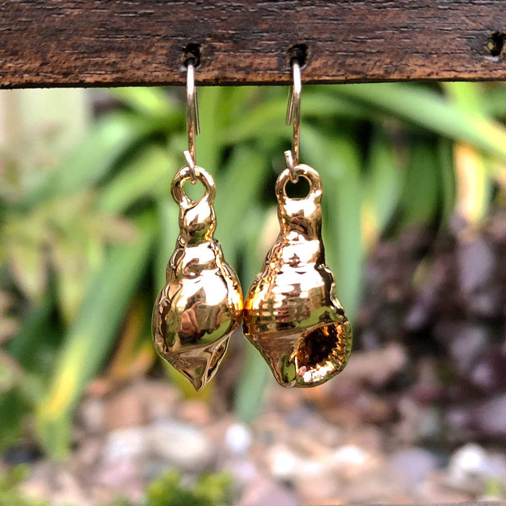 Gold plate true tulip seashell drop earrings