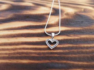 Classic clear heart - Silver pendant / necklace jewelry Tantilly