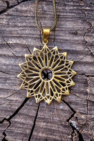 Monro star's - gold brass necklace jewelry Tantilly