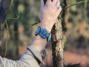 Handmade Royal Bracelet - Turquoise Flower jewelry Tantilly