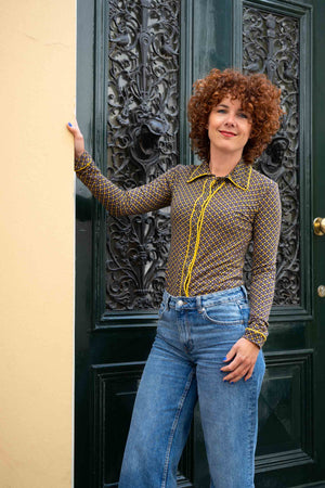 Lilou shirt with long sleeves - brown yellow retro fun shirt Tantilly