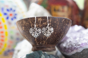 The flower hearth- sterling silver earrings jewelry Tantilly
