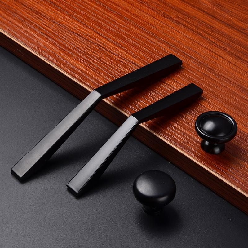 Black Simple Kitchen Handles - Paruse