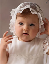 Cristening bonnet, hat, cream/ivory