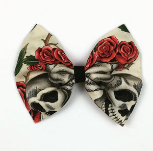 Skulls and Roses (Cream) Hair Bow