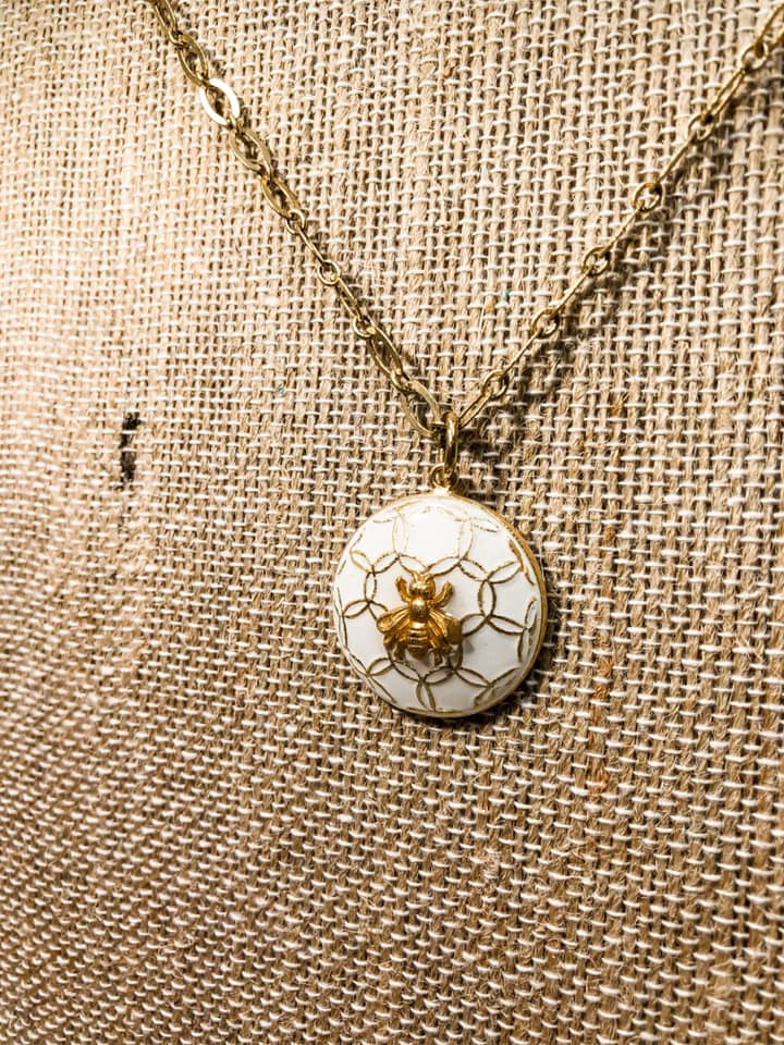 Miel Pendant Necklace