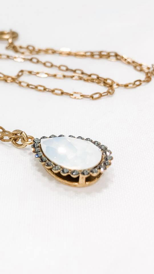 Opale Blanche Teardrop Necklace