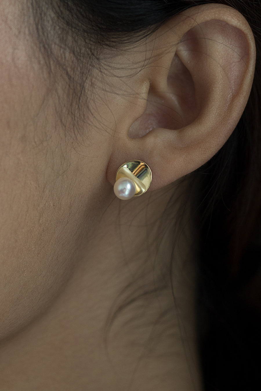 Candice 18K Gold white fresh water pearl earring