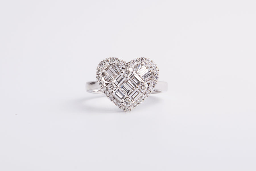 18 Karat White Gold Heart Shape Diamond Ring 18k,w,rd 0.35ct,td 0.52ct,#14.5