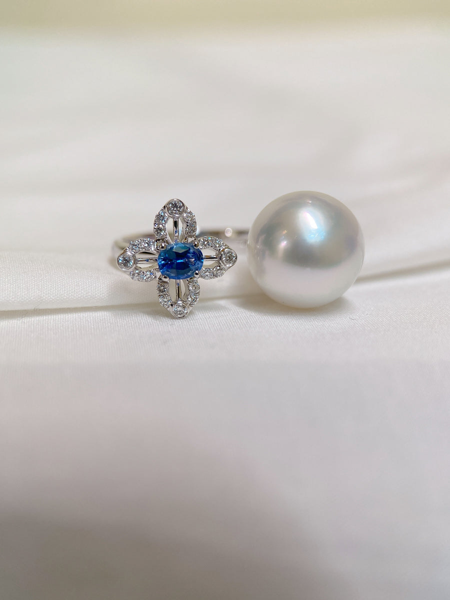 White South Sea Pearl Ring with Blue Sapphire and Diamonds in 18k White Gold