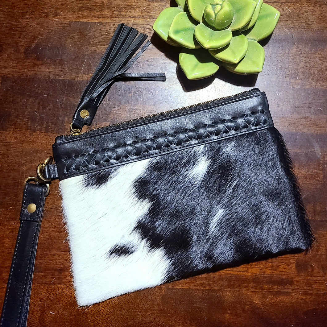 The Elvira Wristlet- Black 6
