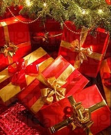 Red and Gold Themed Gift Wrapping
