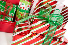 Red and Green Themed Gift Wrapping