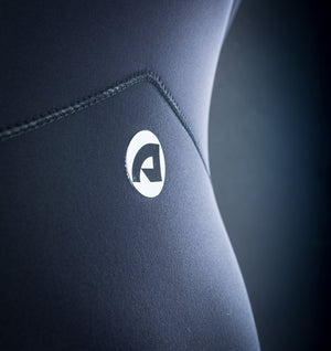 OMEGA Long Sleeve Chest Zip 2/2mm Spring - BLACK / WHITE - Nomad Bodyboards
