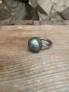 antique button ring (size 7)