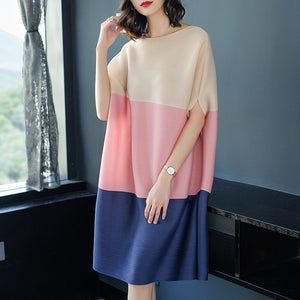 Fabric Sleeve Loose Ladies Batwing Dress