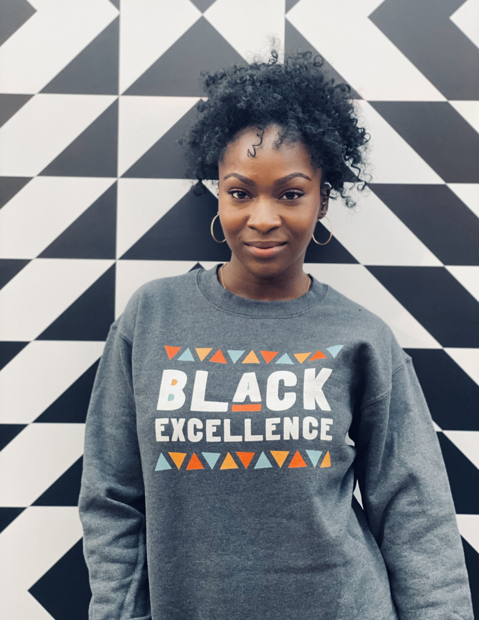 Black Excellence Sweatshirt in Dark Heather