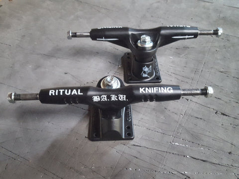 Gullwing Super pro III skateboard trucks BAKU Ritual Knifing - BLACK (PAIR)