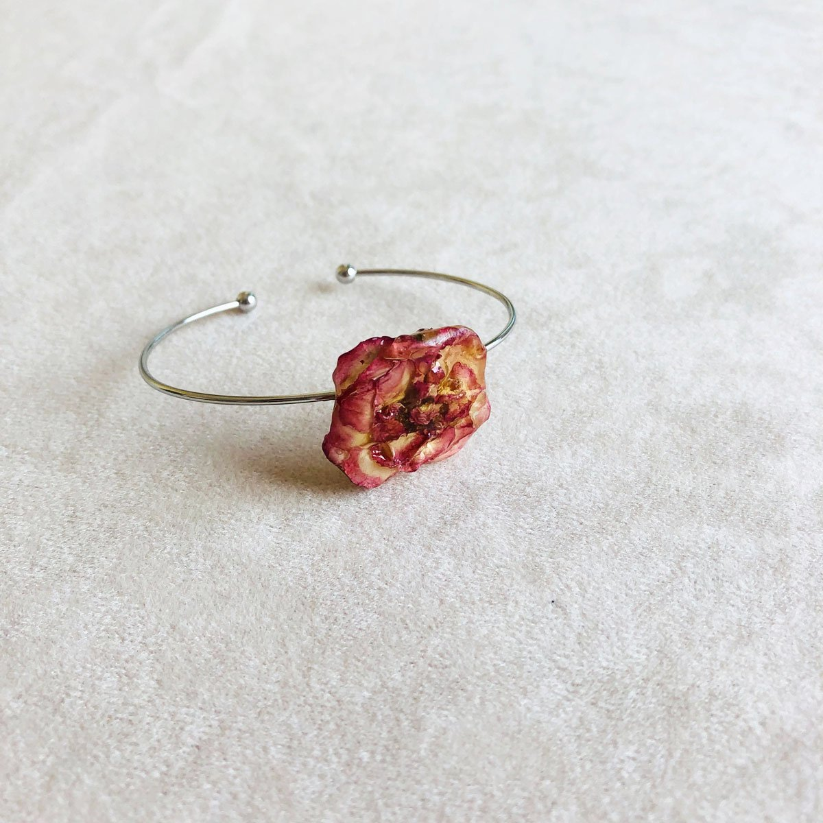 Adjustable real rose bracelet