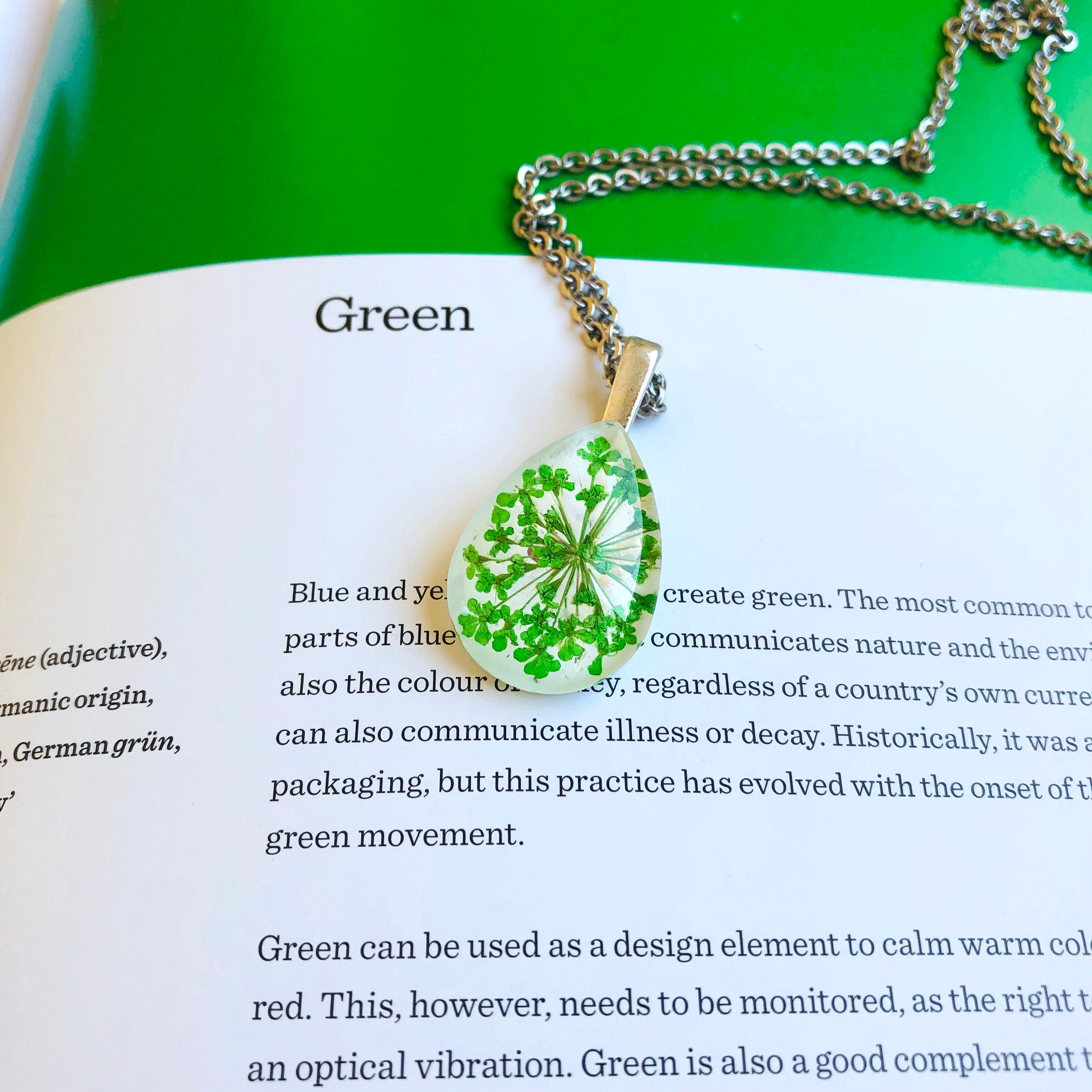Green | Baby's breath necklace