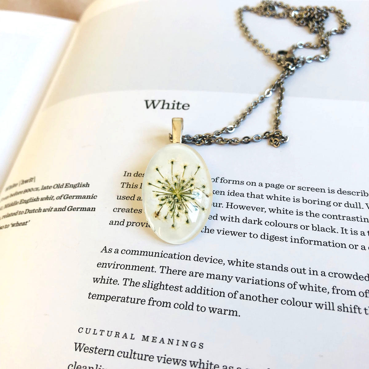 White | Baby's breath necklace
