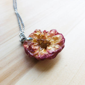 Pink 3D rose necklace