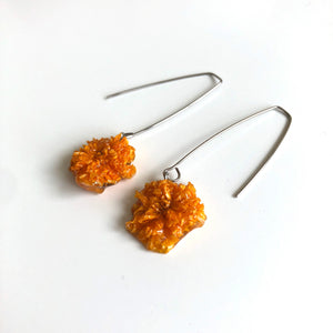 Realistic flower earrings