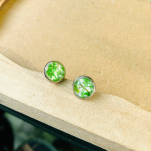 Green | Baby's breath stud earrings