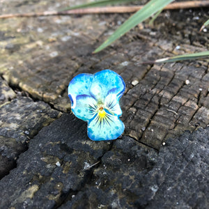 Blue pansy ring