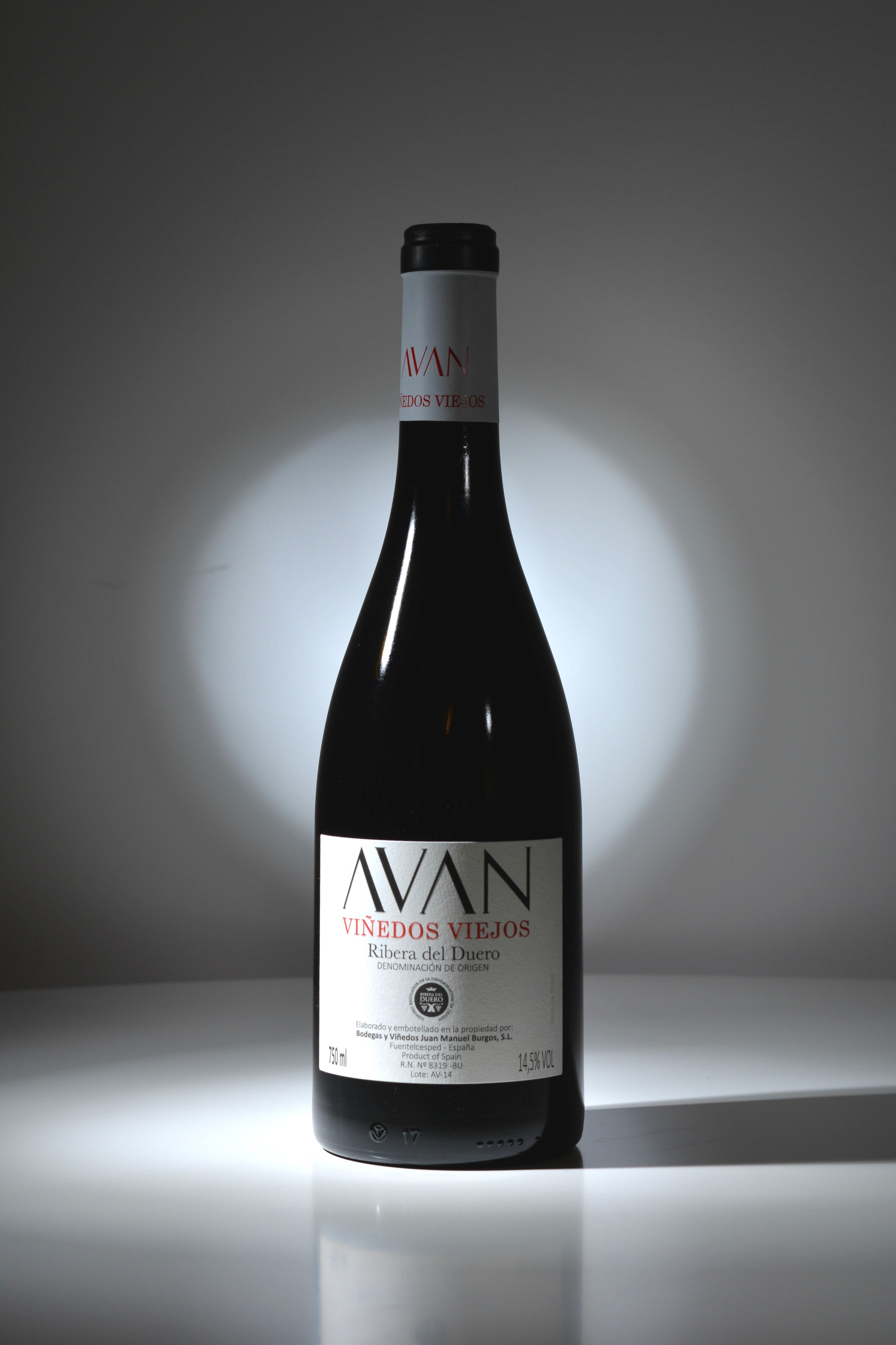 Avan Viñedos Viejos 2016 - The Royal Bottle