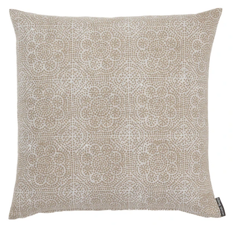 Amadora Pillow, 2 Sizes