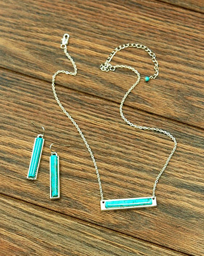 THE VICTORIA NECKLACE & EARRING SET