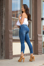 Load image into Gallery viewer, THE TAPER JEAN GIRL