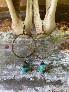 THE TURQUOISE CHIP HOOPS