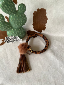 THE LEOPARD POM BANGLE KEYCHAIN