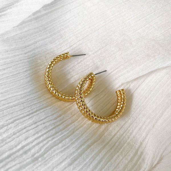Twist Hoops - gold