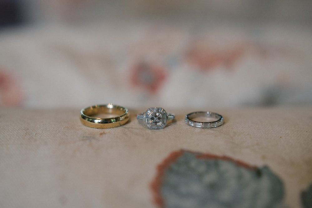 Photo of the wedding rings.